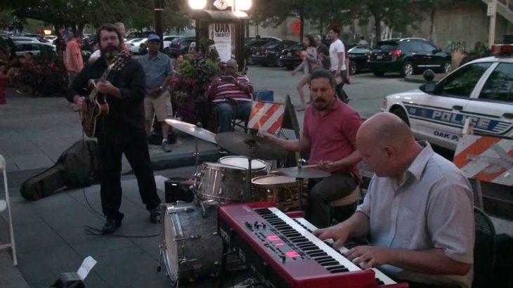 Geordie Kelly Trio WDCB Jazz Night In Oak Park 2/2