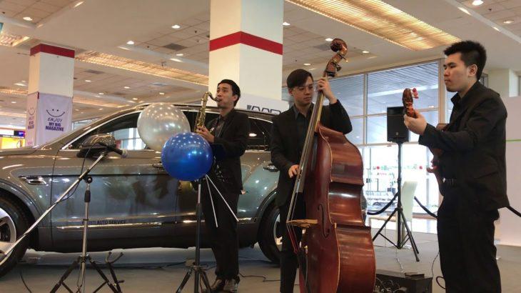 วงดนตรีแจ๊ส Jazz Trio งาน Big Motor Sale 2018 Bangkok, Thailand [Day 6 set3]